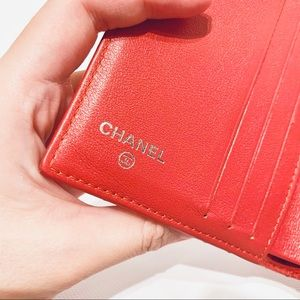 CHANEL Bags - CHANEL 2in1 wallet with coin pocket